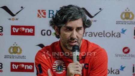Pelatih Persija Jakarta Stefano Cugurra Teco saat jumpa pers jelang Laga Bhayangkara FC vs Persija Jakarta. - INDOSPORT