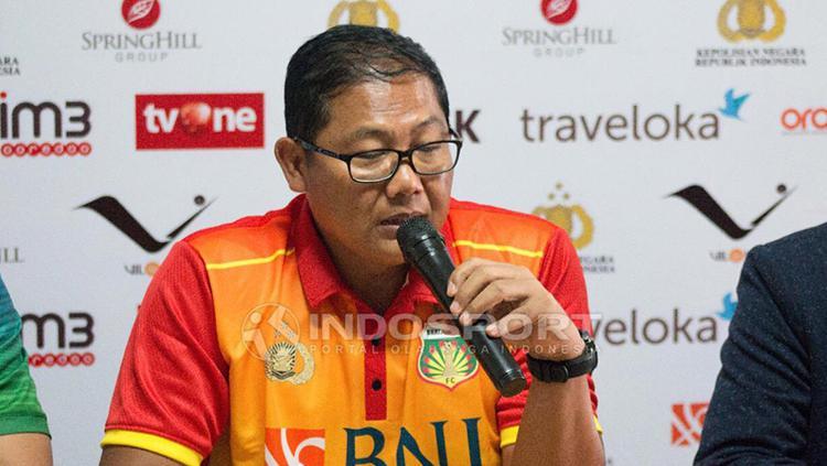Manajer BFC, AKBP Sumardji saat jumpa pers jelang Laga Bhayangkara FC vs Persija Jakarta. Copyright: Herry Ibrahim/INDOSPORT