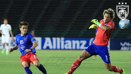 Pemain Johor Darul Ta'zim Nazmi Faiz berhasil menyabet AFC Cup Goal of The Tournament 2017. - INDOSPORT