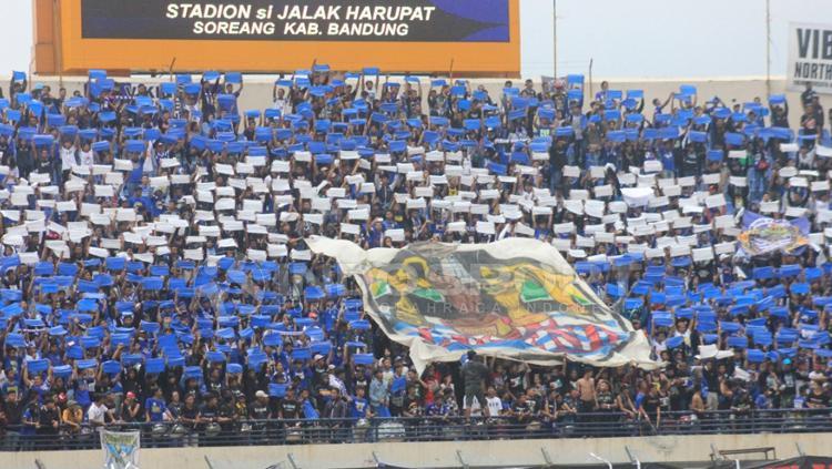 Koreografi Persib Bandung. Copyright: Arif Rahman/INDOSPORT