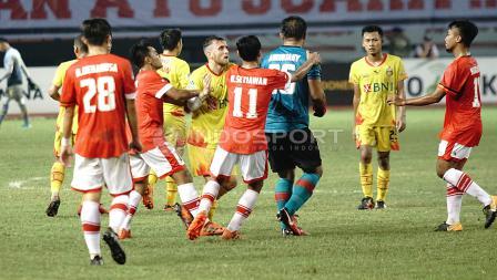 Keributan Kecil dalam Laga Bhayangkara FC vs Persija Jakarta