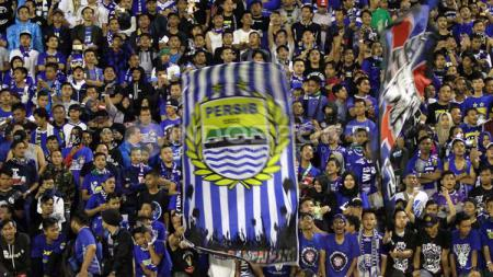 Pendukung Persib Bandung, Bobotoh dan Viking. - INDOSPORT