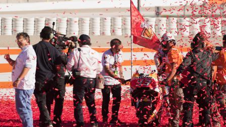 Tim Repsol Honda sudah menyiapkan motor Marc Marquez untuk merayakan juara dunia MotoGP 2017.