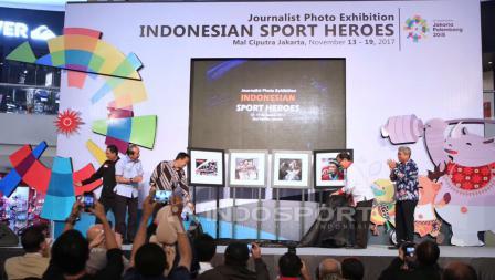 Pameran foto olahraga bertajuk 'Indonesian Sport Heroes' resmi dibuka oleh Menpora. Herry Ibrahim/INDOSPORT