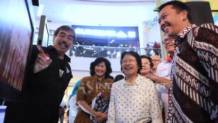 Legenda bulutangkis di Asian Games 1962, Retno Kustijah turut hadir dalam acara. Herry Ibrahim/INDOSPORT