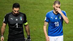 Indosport - Italia gagal melaju ke Rusia, Buffon meminta maaf.