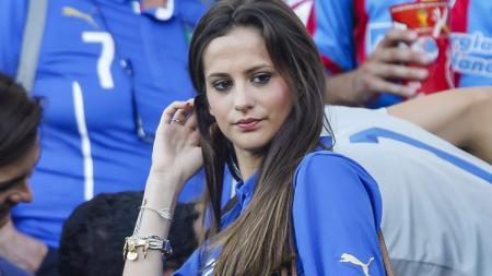 Jessica Melena, istri Ciro Immobile, siap hamil lagi jika sang suami mendapatkan Capocannoniere dan Lazio menang Serie A. - INDOSPORT