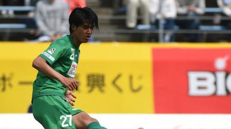 Ryutaro Karube saat masih berseragam FC Gifu. - INDOSPORT
