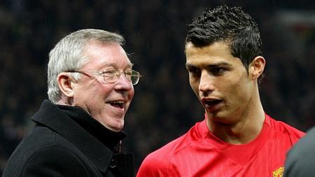 Ferguson dan Ronaldo saat masih membela Manchester United. - INDOSPORT