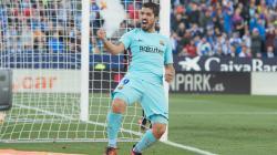 Luis Suarez merayakan gol keduanya ke gawang Leganes.