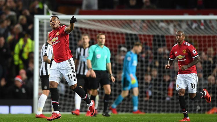 Manchester United berhasil menyamakan kedudukan melalui Anthony Martial. Copyright: Getty Images