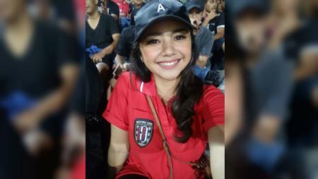 Fans cantik Bali United, Puspa Anggraeni - INDOSPORT