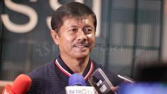 Indosport - Indra Sjafri dalam preskon pengumuman pencopotan dari pelatih Timnas U-19.