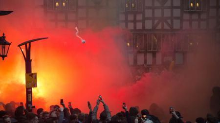 Feyenoord Rotterdam dikabarkan baru saja menerima denda sebanyak tiga kali dari UEFA sebesar 30 ribu euro (526,7 juta rupiah). - INDOSPORT
