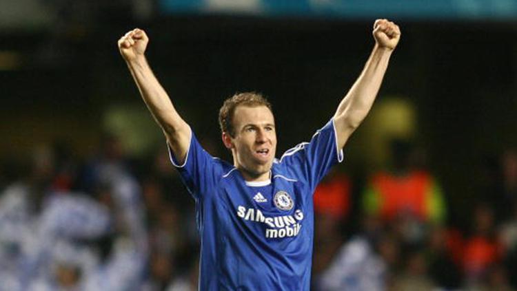 Arjen Robben saat memperkuat Chelsea. Copyright: INDOSPORT