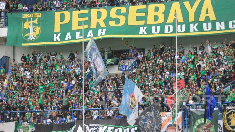 Suporter Persebaya Copyright: Arif Rahman/Indosport.com