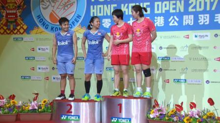 Greysia Polii dan Apriyani Rahayu (biru) kalah di final Hongkong Open Super Series 2017. - INDOSPORT