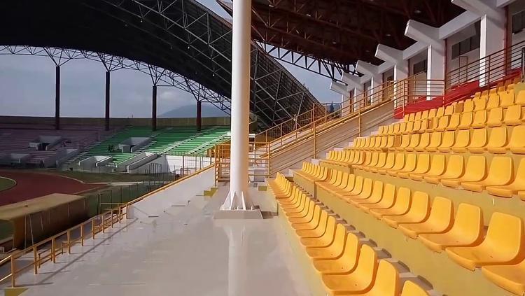 Tribun penonton Stadion Harapan Bangsa. Copyright: YouTube