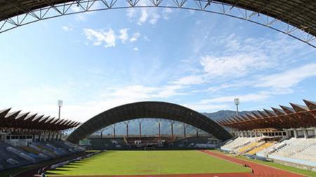 Sedikitnya ada 4 stadion sepak bola Indonesia yang ternyata pernah rusak akibat gempa bumi. Stadion mana saja kira-kira? - INDOSPORT