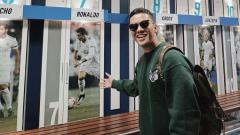 Indosport - Youtuber asal Indonesia, Arief Muhammad saat berkunjung ke Stadion Santiago Bernabeu.