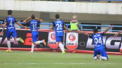 Indosport - Aksi selebrasi para pemain PSIS Semarang'.