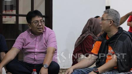 Direktur Utama Persija Gede Widiade dan Ketua Umum The Jakmania Ferry Indra Sjarief.