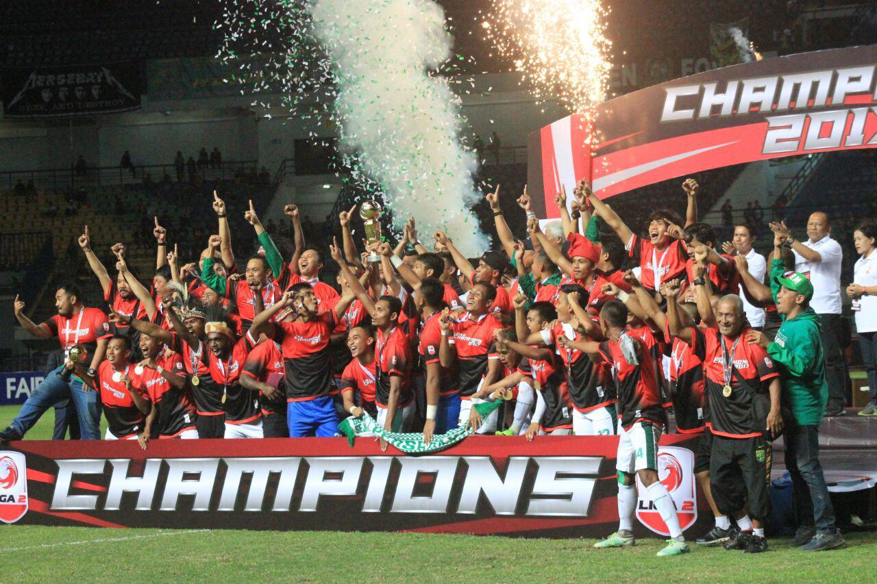Persebaya Surabaya juara Liga 2 2017. Copyright: Indosport/Arif Rahman