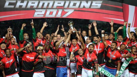 Perayaan juara Liga 2 2017. - INDOSPORT