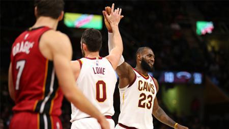 LeBron James dan Kevin Love. - INDOSPORT