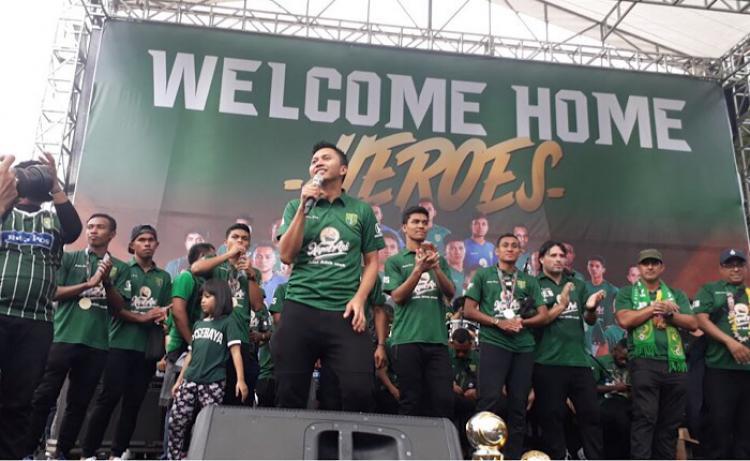 Perayaan gelar juara Persebaya di Surabaya Copyright: Emosi Jiwaku
