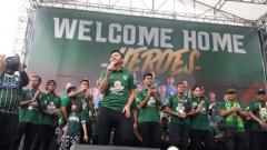 Indosport - Perayaan gelar juara Persebaya di Surabaya