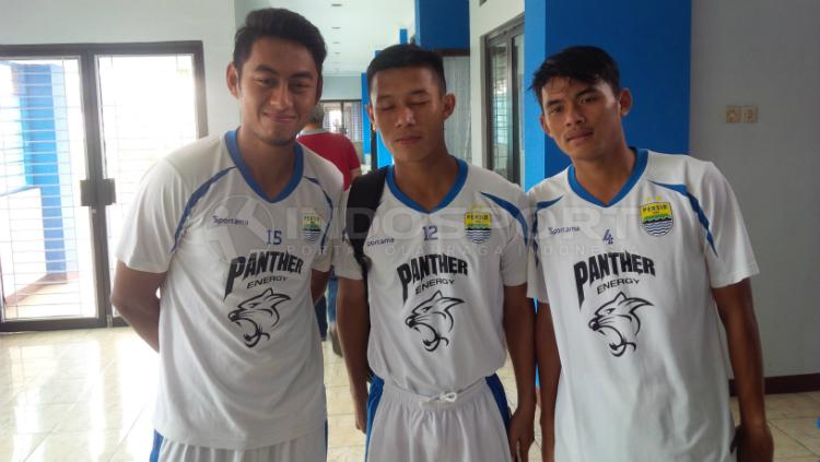 Puja Abdillah (kanan), pemain muda Persib Bandung. Copyright: Arif Rahman/INDOSPORT
