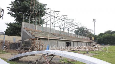 Renovasi Stadion Merpati, Depok. - INDOSPORT