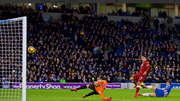 Firmino mencetak gol ke gawang Brighton. Copyright: Twitter Liverpool