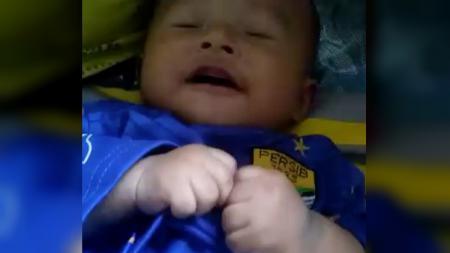 Dedek bayi bobotoh termungil se-Indonesia - INDOSPORT