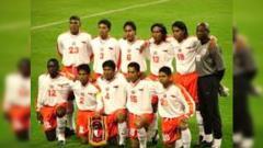 Indosport - Skuat Persija Jakarta saat melawan Kashima pada tahun 200/2001.