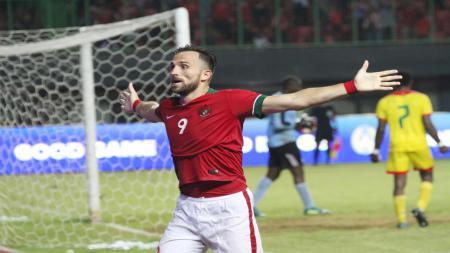 Ilija Spasojevic saat memperkuat Timnas Indonesia. - INDOSPORT