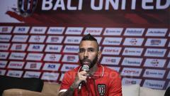Indosport - Demerson Bruno Costa Saat Konferensi Pers bersama Bali United.