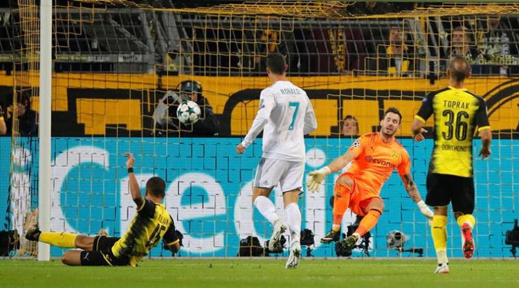 Ronaldo menjadi momok di depan gawang Borussia Dortmund Copyright: The Indian Express