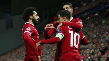 Selebrasi Coutinho bersama rekan-rekannya pasca mencetak gol. - INDOSPORT