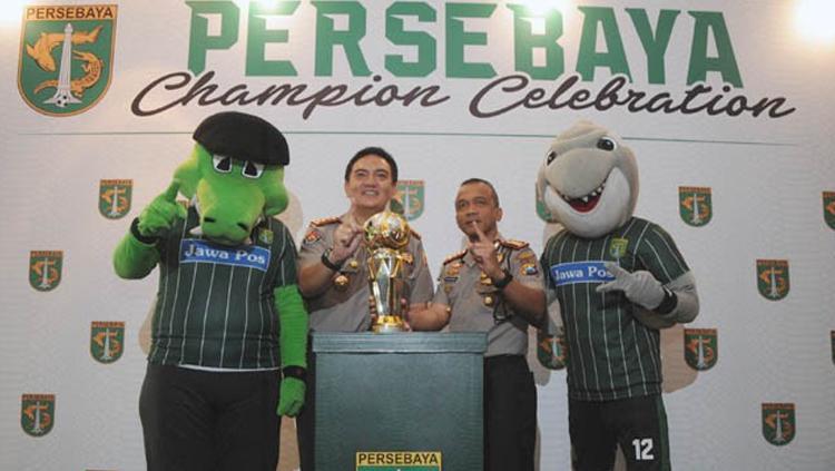 Kapolrestabes Surabaya Kombespol, Rudi Setiawan dan Kombespol M Iqbal di perayaan Champions Celebration di Hotel Shangri-La Surabaya. Copyright: ANDY SATRIA/RADAR SURABAYA