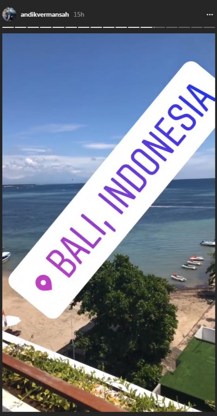 Insta story Andik sedang di Bali Copyright: instagram