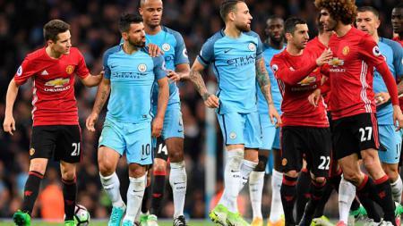 Manchester United saat bertemu Manchester City musim lalu. - INDOSPORT