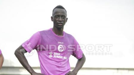 Makan Konate latihan perdana Sriwijaya FC - INDOSPORT
