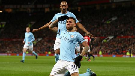 Otamendi merayakan golnya ke gawang Manchester United. - INDOSPORT