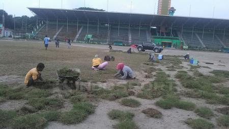 Kondisi terkini Stadion Teladan setelah tergenang air. - INDOSPORT