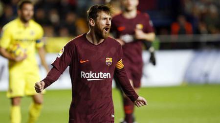 Lionel Messi saat melawan Villarreal. - INDOSPORT