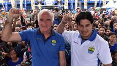 Indosport - Mario Gomez dan Fernando Soler tiba di Bandung, Jawa Barat.