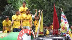 Indosport - Arak-arakan Bhayangkara FC