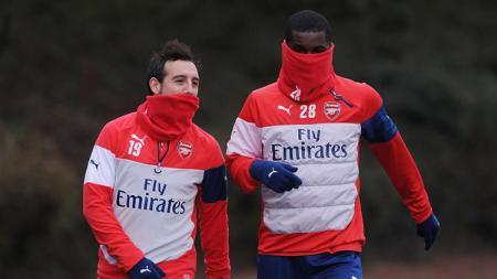 Dua bintang Arsenal menggunakan Snood - INDOSPORT
